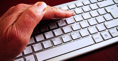 keyboard_computer_hand